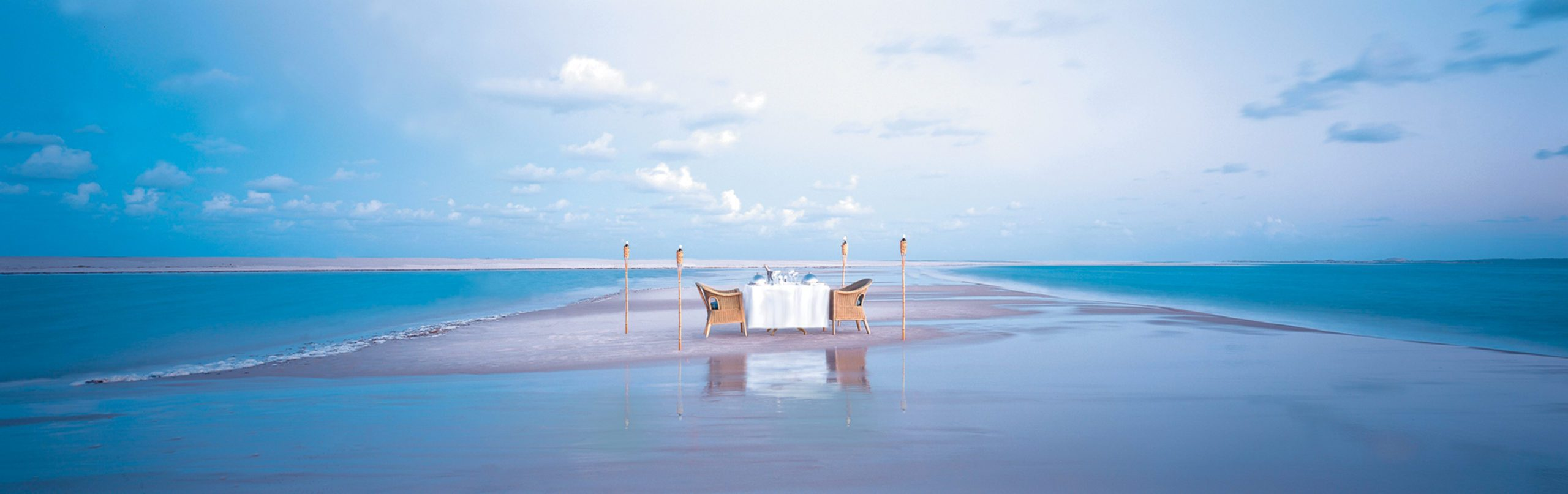 Mozambique romantic dinner on the beach