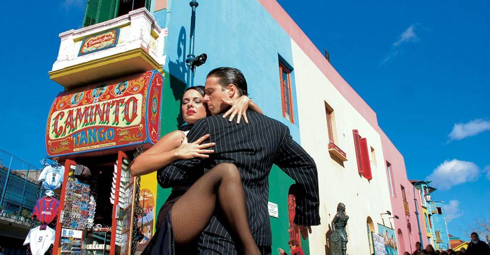 tango dancers in La Boca seen on this Argentina & Chile holiday itinerary