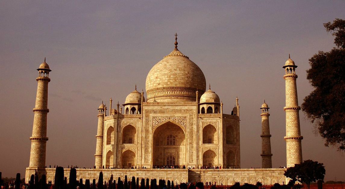 golden light on the taj mahal at sunset