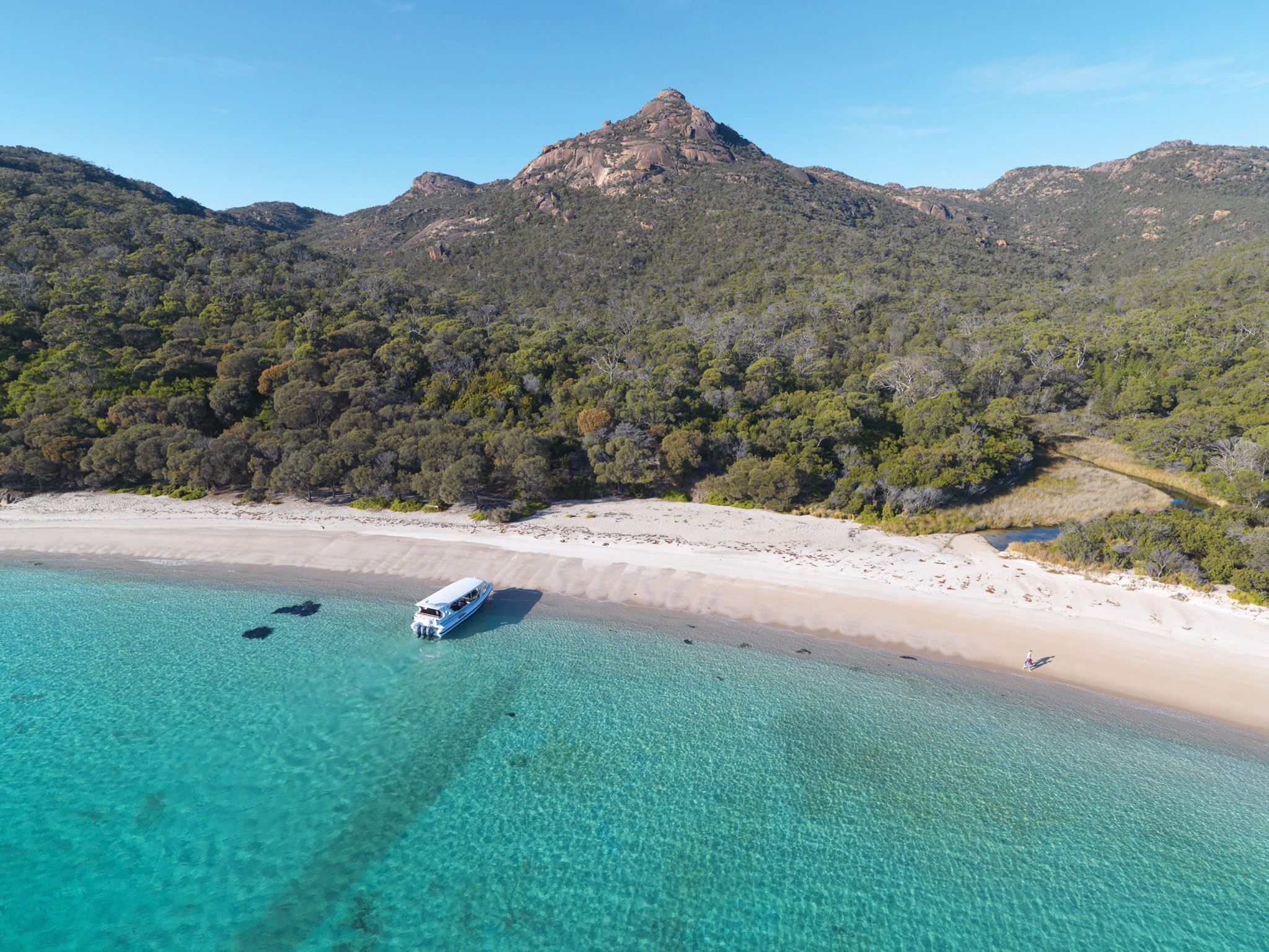 A private lunch on a deserted beach at Saffire Freycinet - Freycinet National Park on Australia self-drive tour