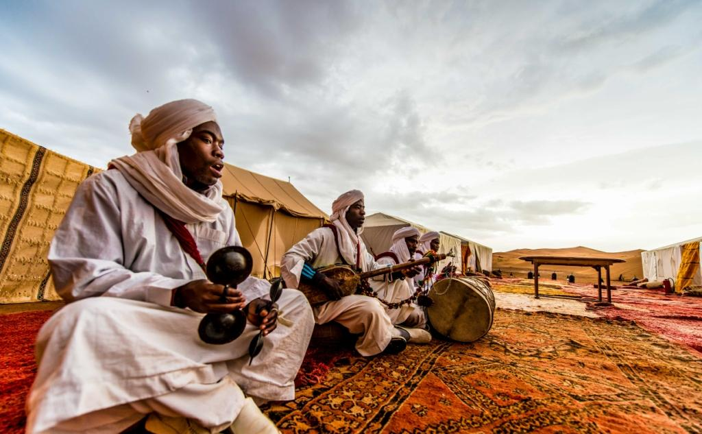 Local musicians in the Sahara