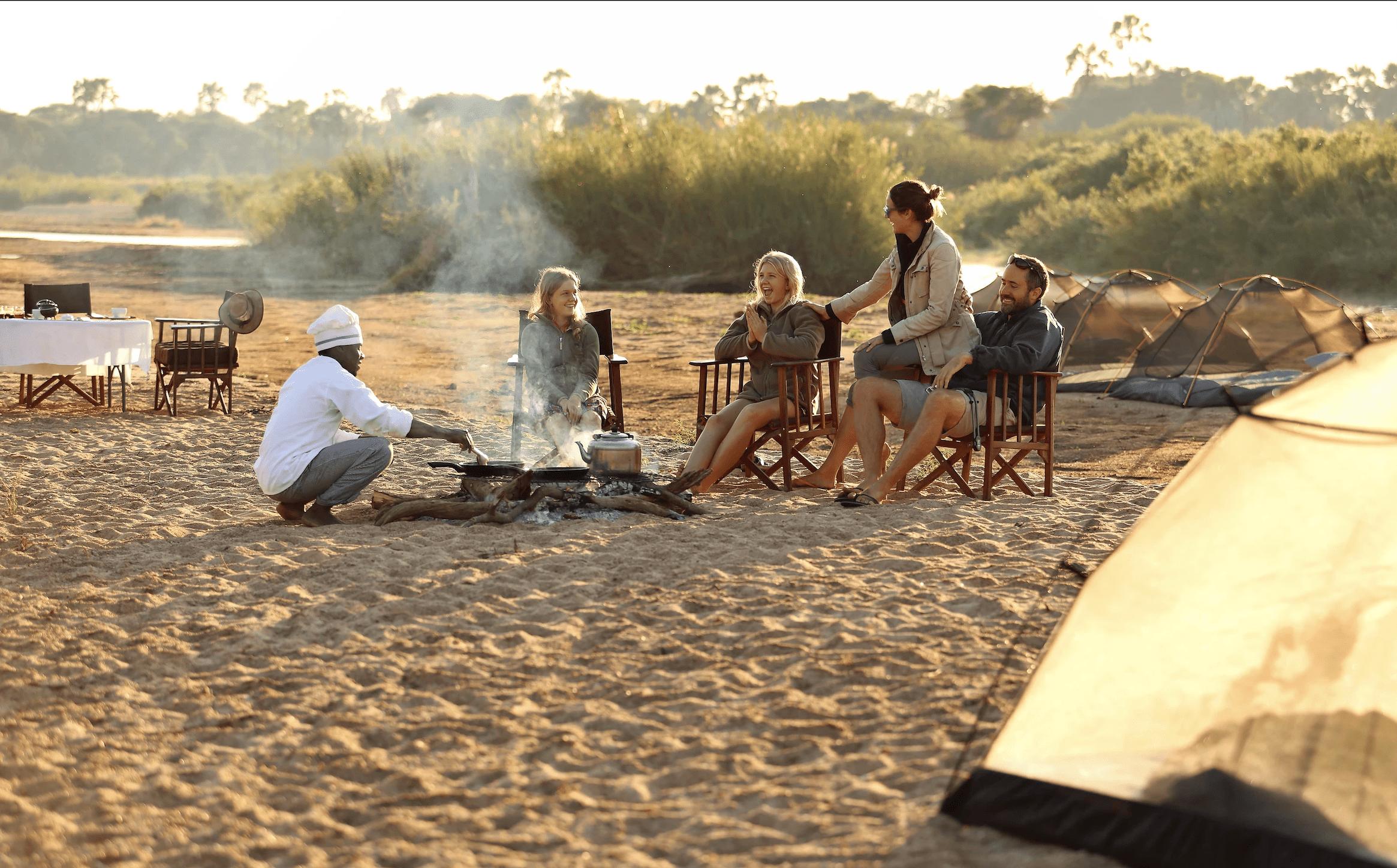 Family breakfast Kichaka expedition in Ruaha, Tanzania