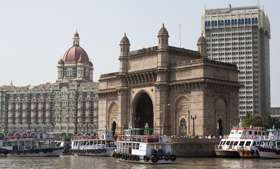 Gateway of India with the Taj Mahal Palace hotel in the background