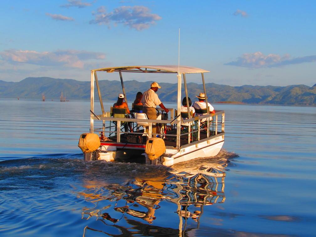 pontoon boat lake kariba