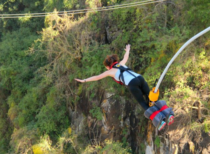 bungee jump in victoria falls