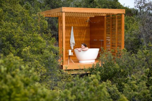 Spa bath in the trees at Bay of Fires Lodge